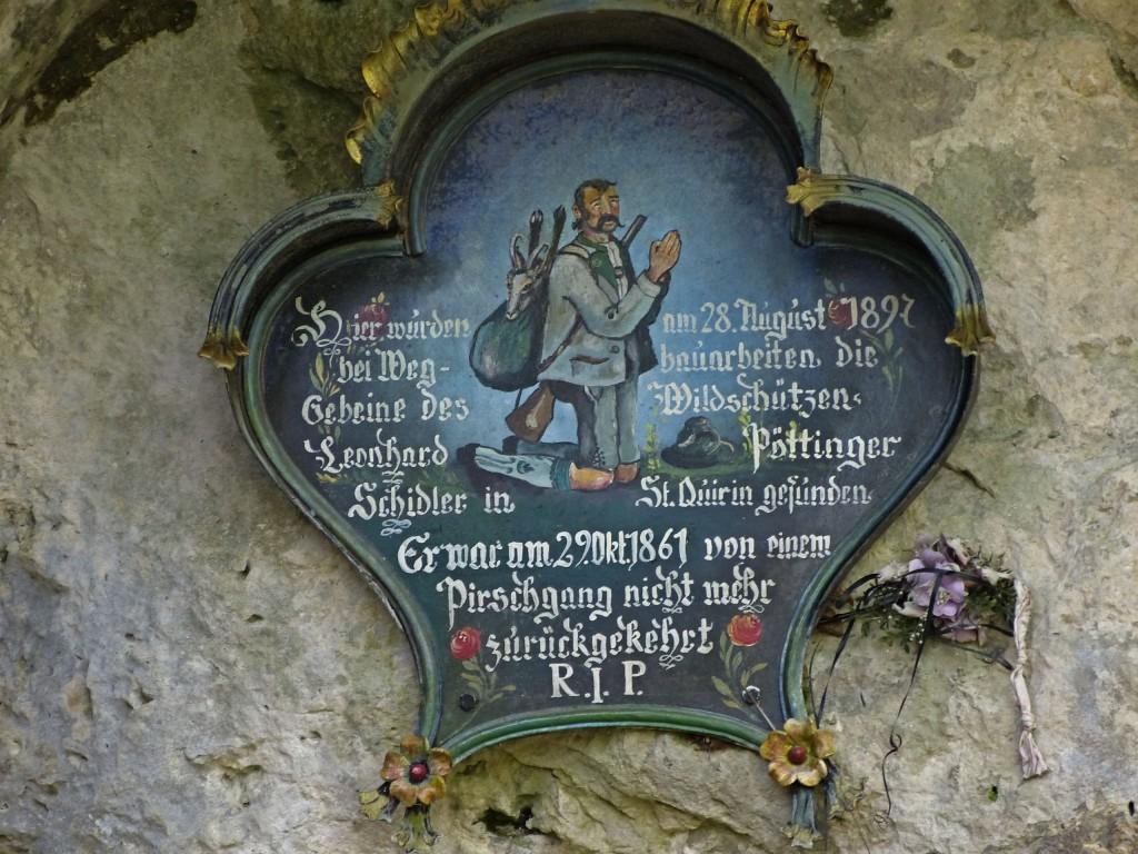 Gedenktafel nähe Berggasthaus Riederstein