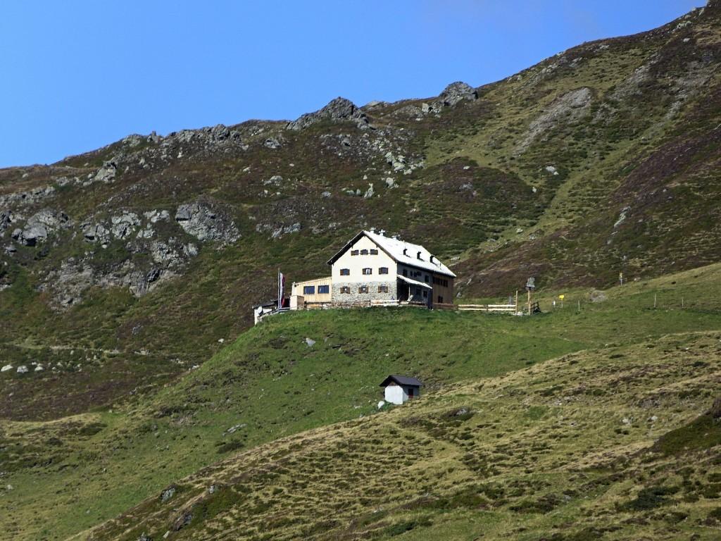 Rastkogelhütte 2117 m unterhalb Sidanjochs 2127 m