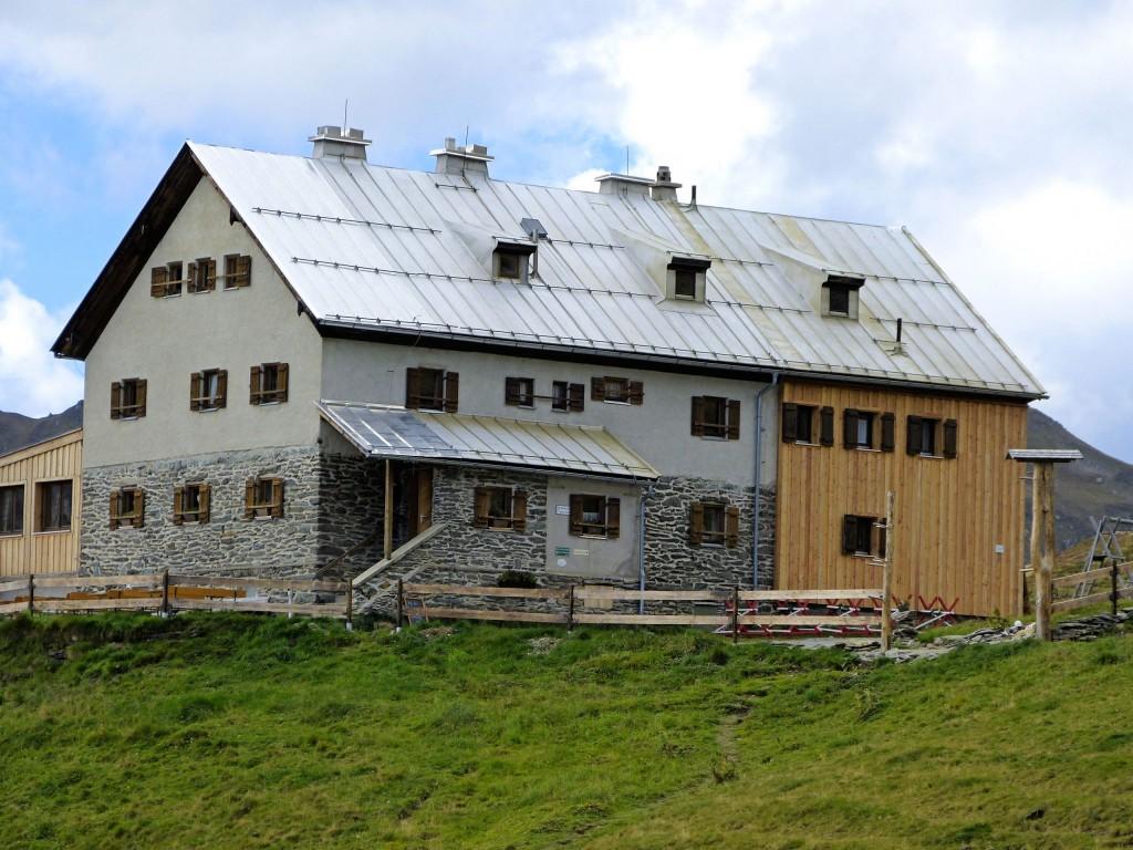 Rastkogelhütte 2117 m in den Tuxer Alpen