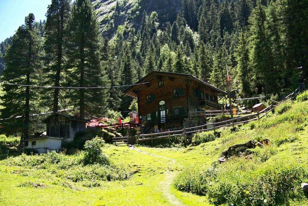 Jagdhaus Maxhütte 1445 m im Gunggltal