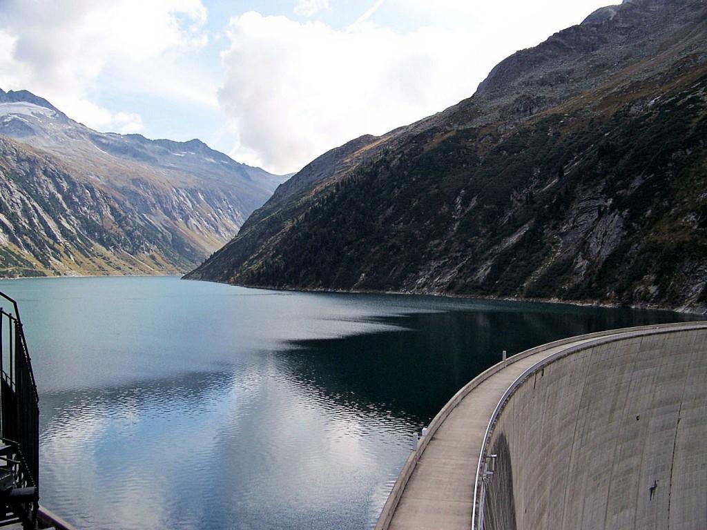 Zillergrund Staumauerkrone 506 m lang